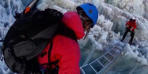 Walk through Khumbu Icefall with me!